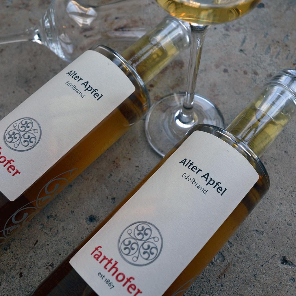 Alter Apfel Eichenfassgelagert (350 ml) - Destillerie Farthofer