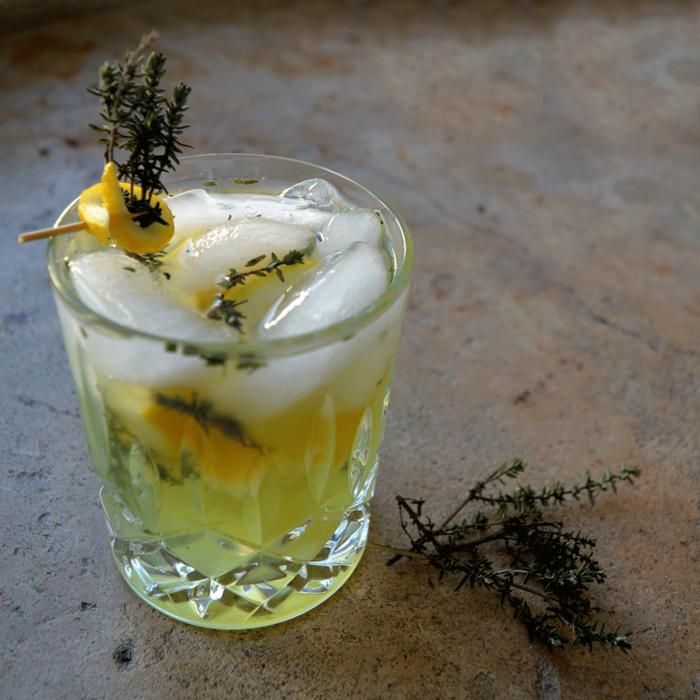 Cocktail Kräuterleo mit Leopold Dry Gin - Destillerie Farthofermit Leopold Dry Gin