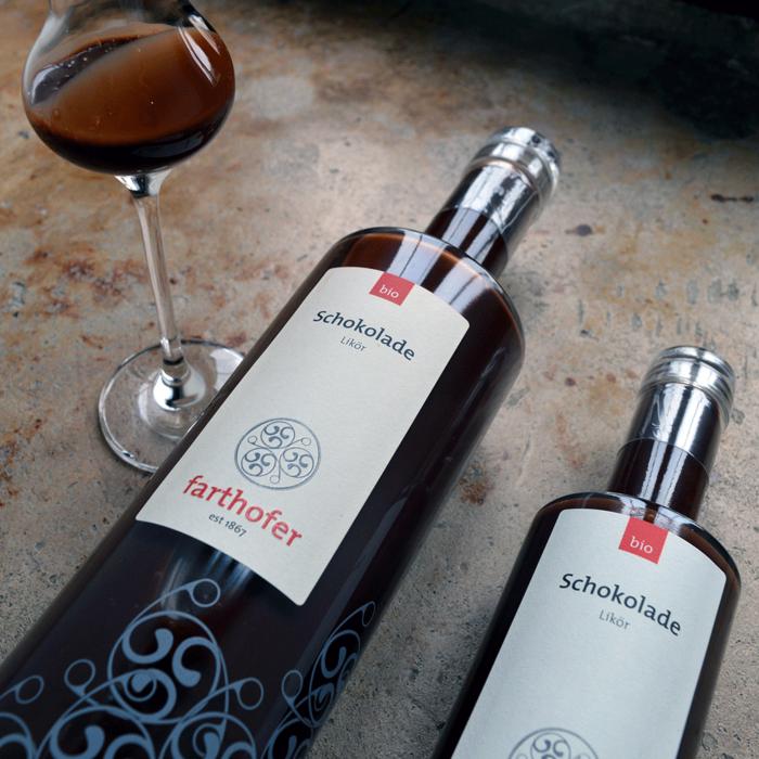 Bio Schokoladenlikör (700 udn 350 ml) mit Glas - Destillerie Farthofer