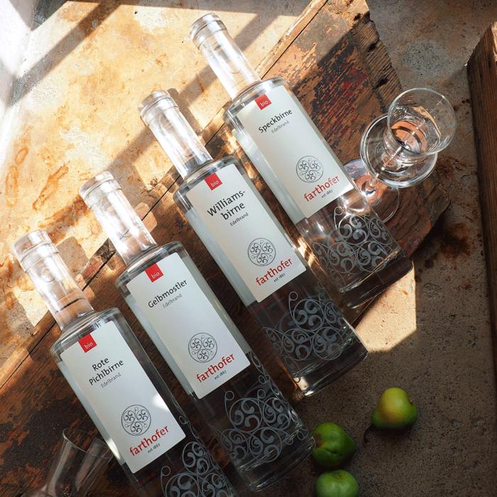 Bio Edelbrand, verschiedene Sorten, Speckbirne, Rote Pichlbirne, Gelbmostler (700 ml) - Destillerie Farthofer