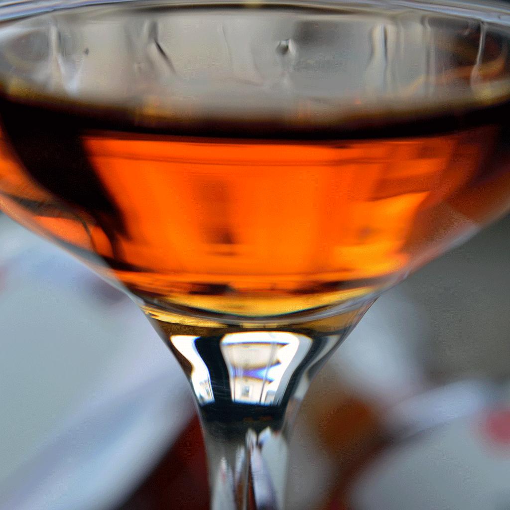 Bio Zirbenschnaps im Glas - Destillerie Farthofer