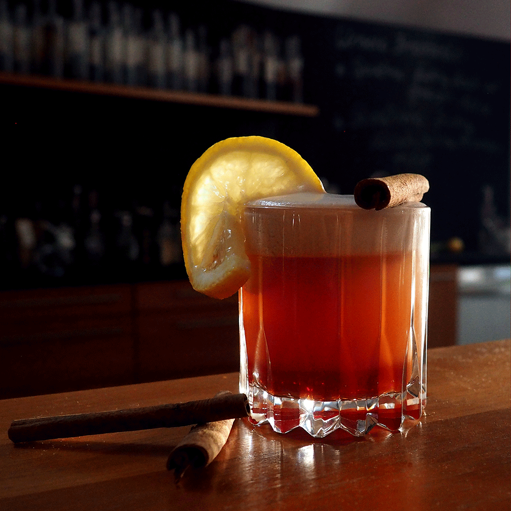 Cocktail mit Bio Zitronenlikör - Destillerie Farthofer